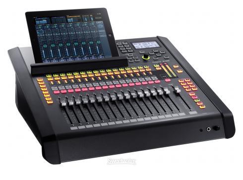 Roland M200i