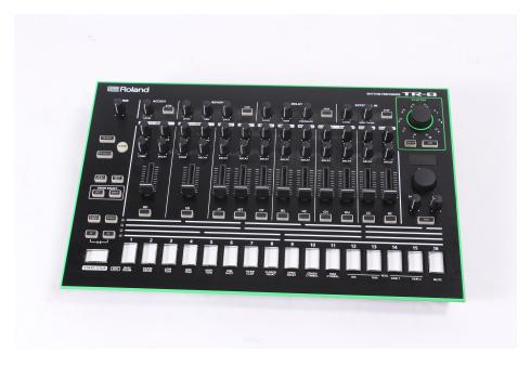 Roland Aira TR-8 - Stockclearing